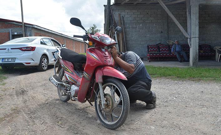 10 yıl önce çalınan motosikleti kazayla buldu