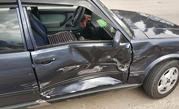 Tedaviye giderken hastaneye 100 metre kala kaza yaptı