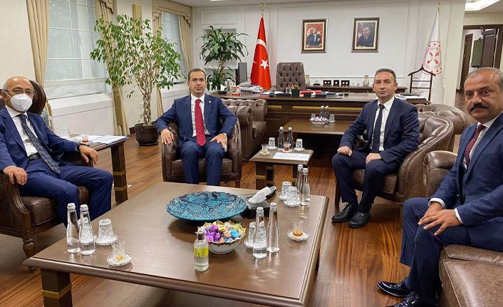 Trabzon'da dolmuş şoförleri Maliye Bakanı'ndan ne istedi?
