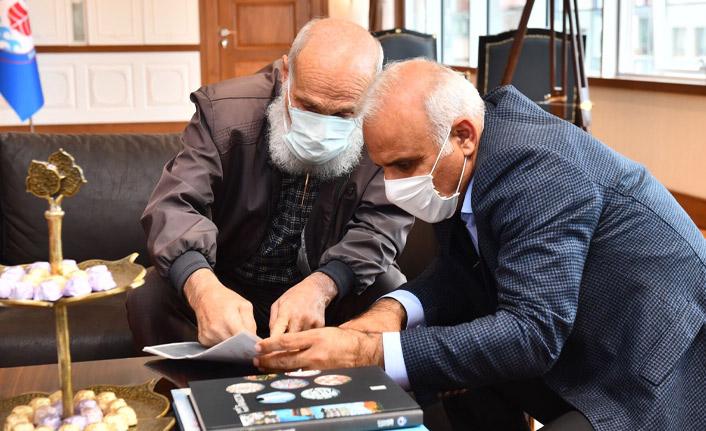 Başkan Zorluoğlu vatandaşları misafir etti