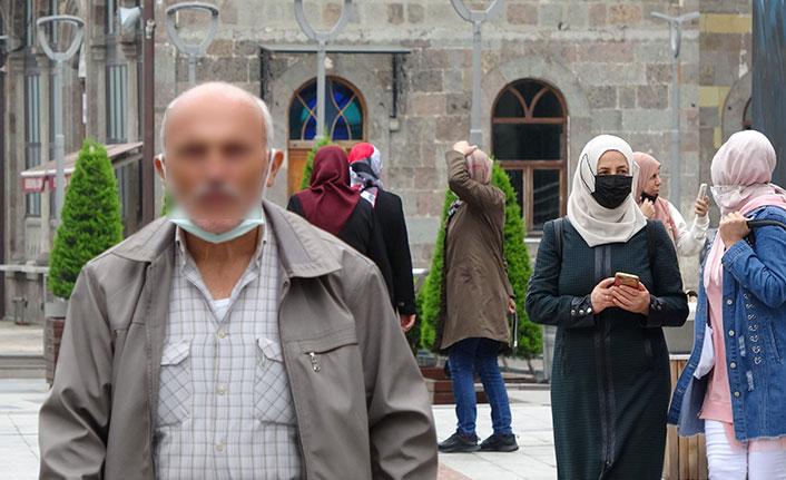 Vaka lideri Trabzon'da maskeler çene altında