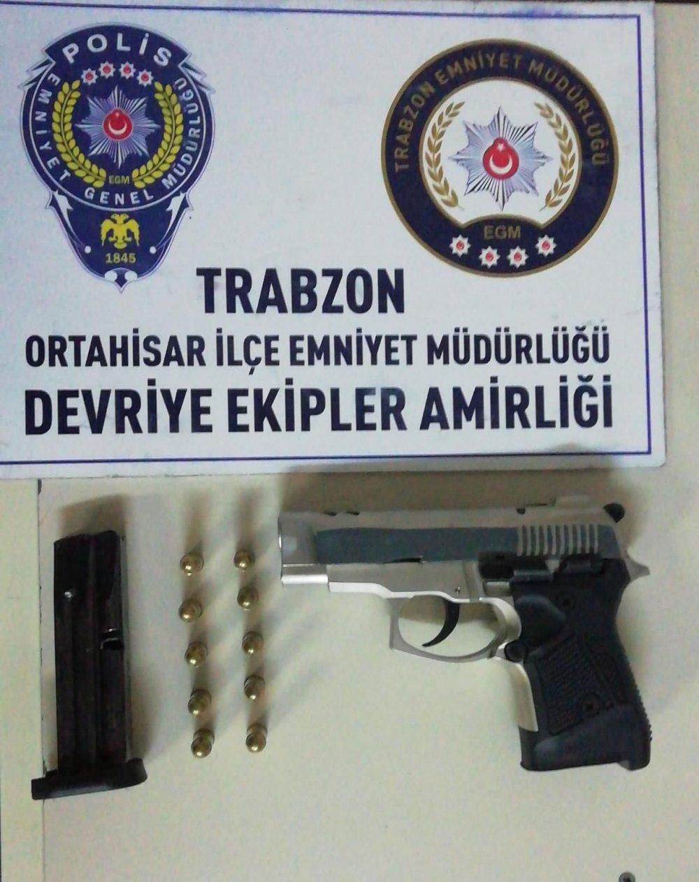 Trabzon'da ruhsatsız tabanca ele geçirildi