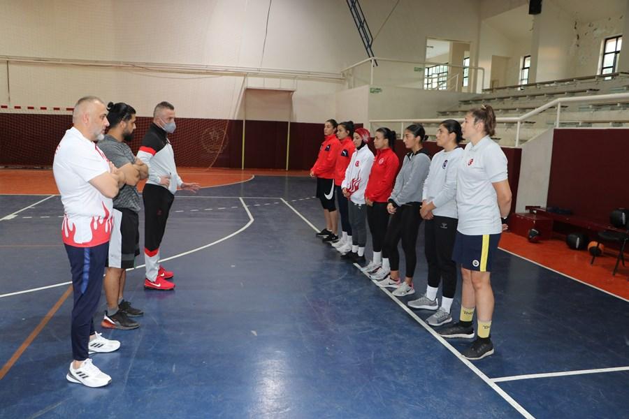 Trabzon'da kampa girdiler! Kadınlar Boks Milli Takımı rekor madalya peşinde