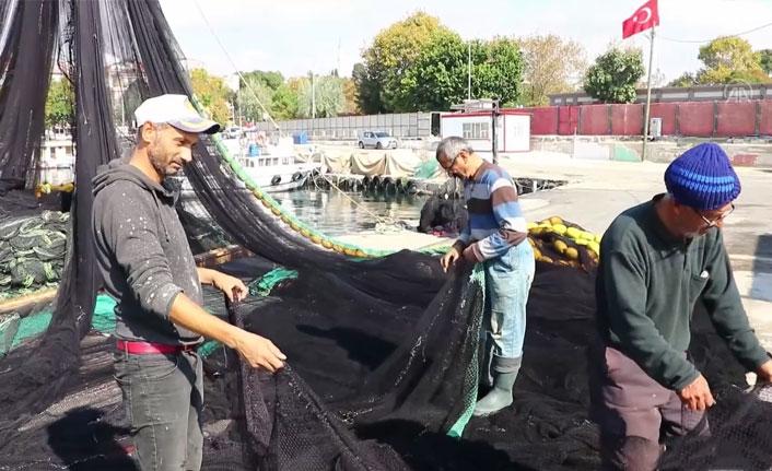 Karadenizli balıkçılar Marmara'da ağ atıyor