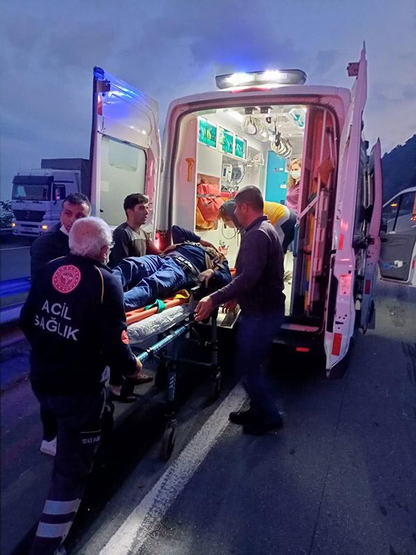 Artvin'de tır kazası: 1 yaralı