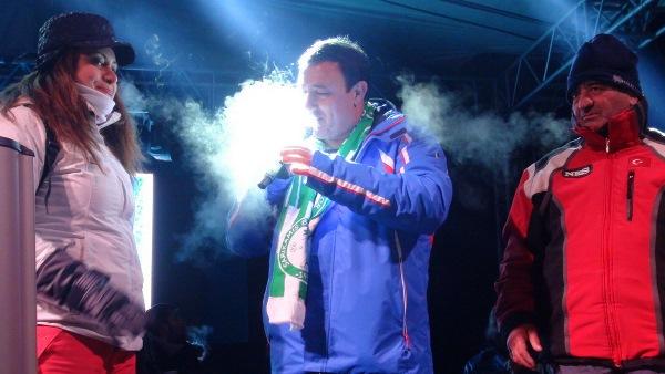 Eksi 20 derecede Mahmut Tuncer şov