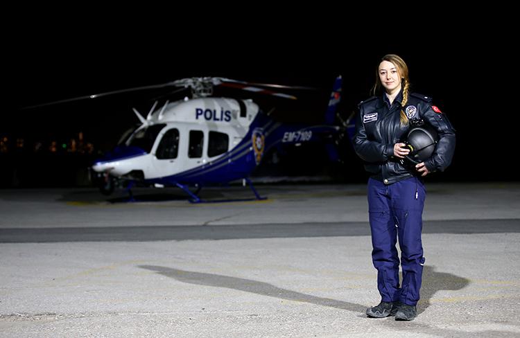 İşte Emniyetin ilk kadın helikopter pilotu!