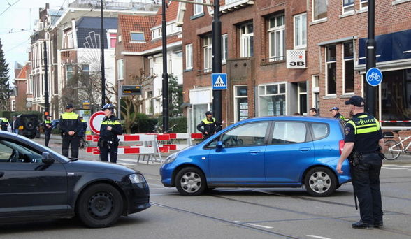 Hollanda Bakan Kaya ve Başkonsolos'un yolunu kesti!