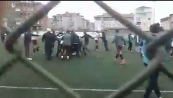 Rize takımları maçta birbirine girdi