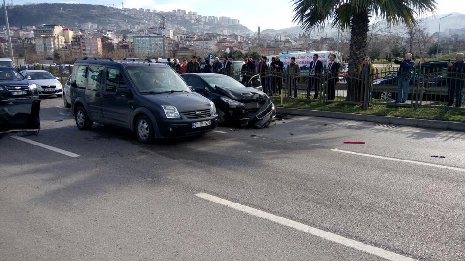 Trabzon sahil yolunda kaza
