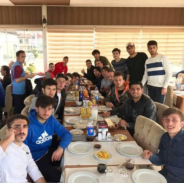 Ibanez U21'de döktürüyor(!)