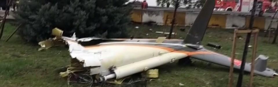 İstanbul'da helikopter kuleye çarparak yere çakıldı!
