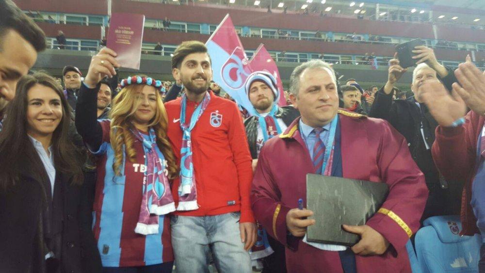 Trabzonspor Galatasaray derbisinde evlendiler!