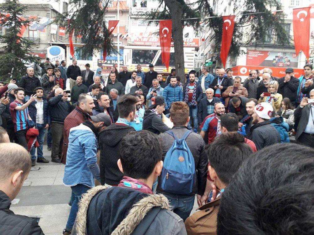 Trabzonspor taraftarı maç saatini horonla bekliyor
