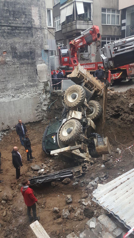 Trabzon'da iş makinesi kaza yaptı