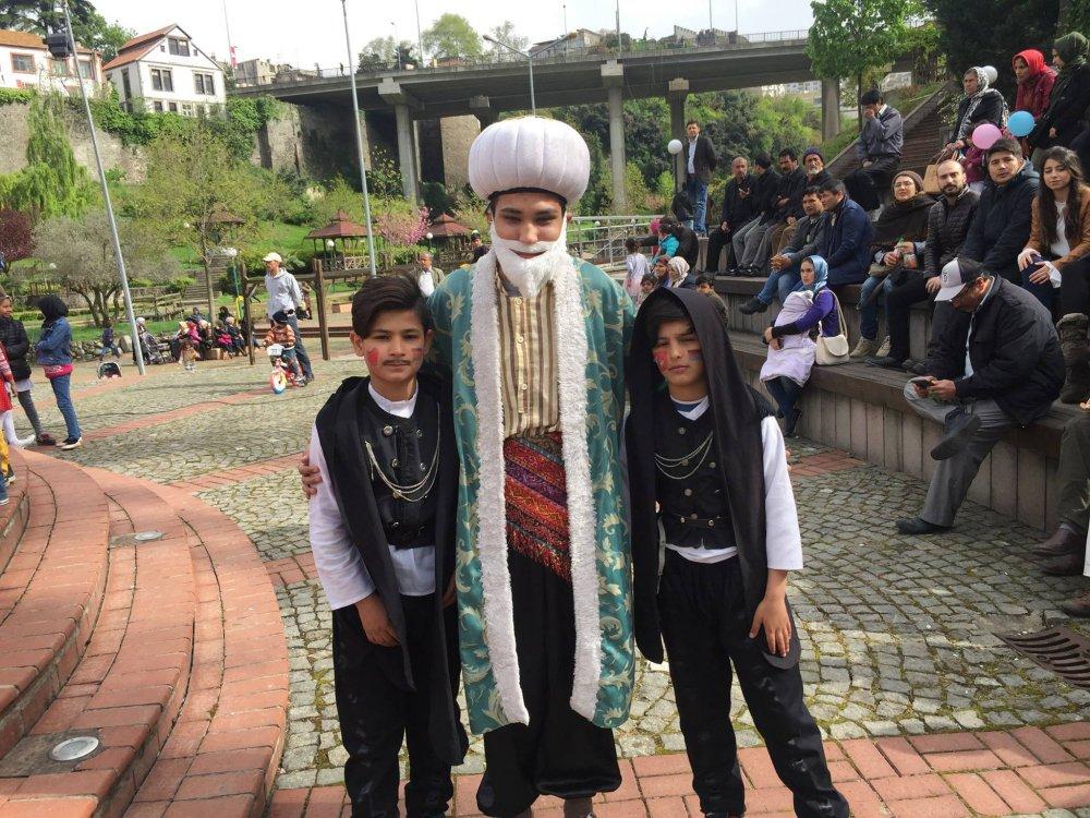 Trabzon'da yaşayan yabancı uyruklu çocuklar 23 Nisan'ı kutladı