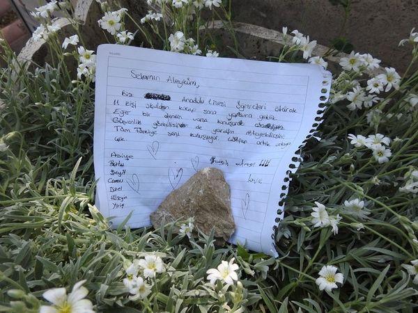 Gizemli kızın görüldüğü mezarlığa akın ettiler