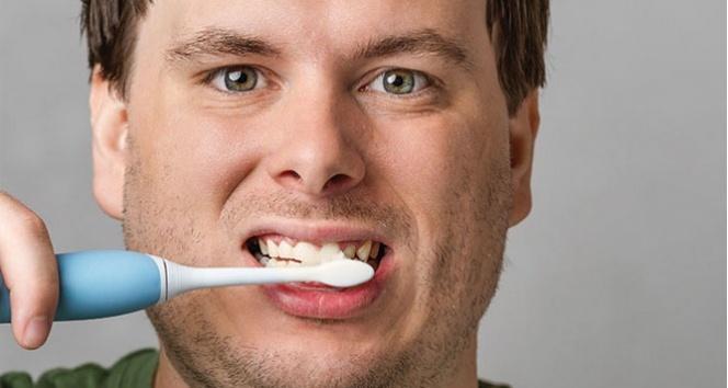 Diş macunu yutmak orucu bozar mı? Diyanet fetvası ne diyor?