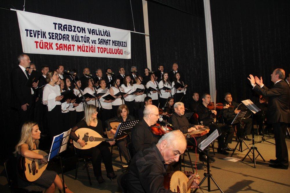 Trabzon'da baharı aşk şarkılarıyla karşıladılar