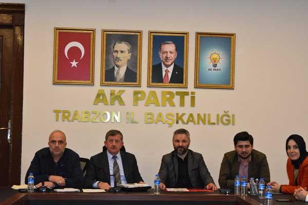 AK Parti Trabzon'da seçim öncesi ilk toplantı