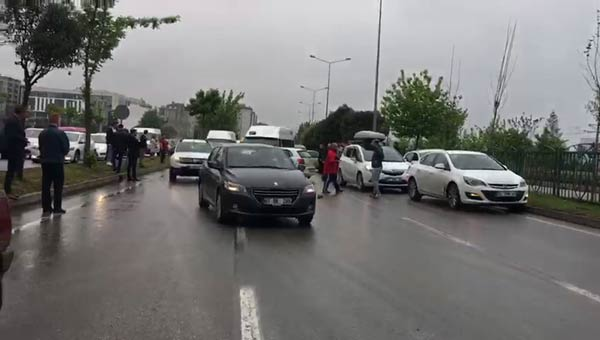 11 Araç birbirine girdi: 2 Yaralı