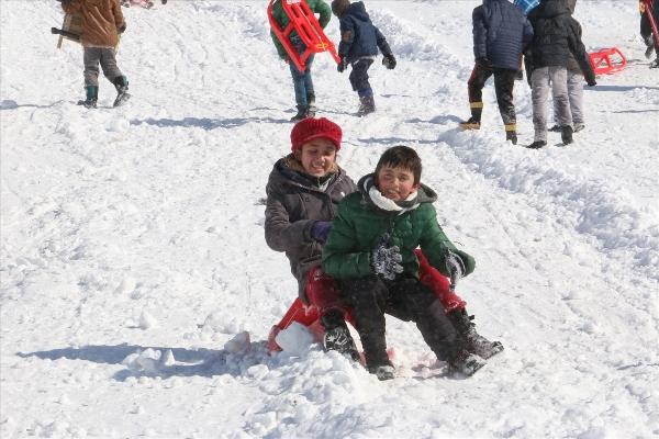 Kızak ve leğenli kış festivali