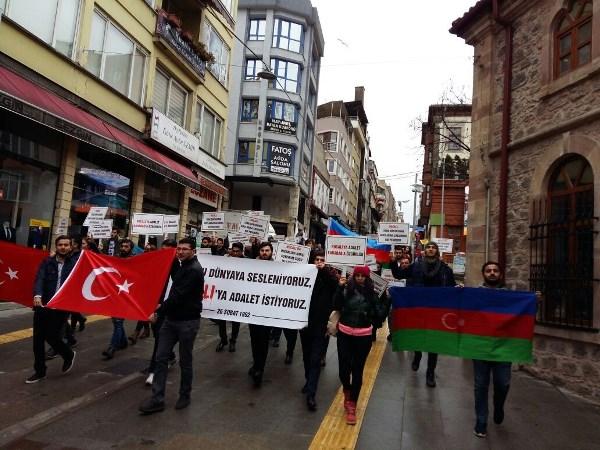 Öğrenciler 'Hocalı' için yürüdü