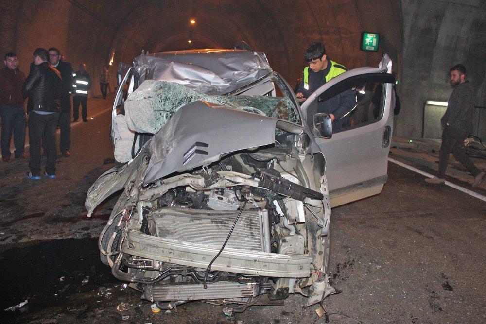 Rize'de trafik kazası: 2 ölü