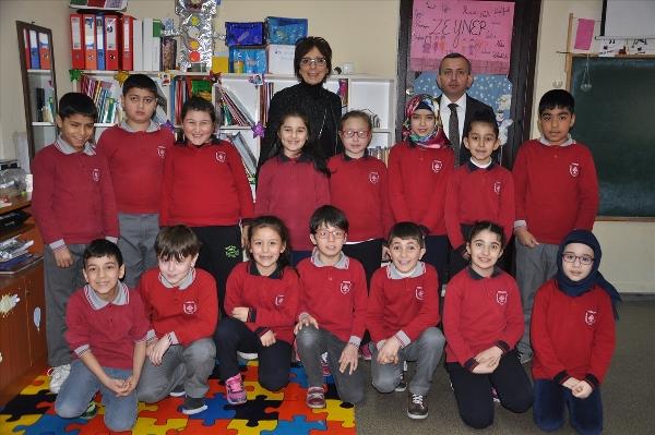 Trabzon'un Ortahisar ilçesinde Ülkü İlkokulunun öğrencileri, öğretmenlerinin alışılmışın dışında dizayn ettiği sınıfta eğitim öğretimlerini sürdürüyor.