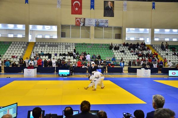 Trabzonlu sporcu dereceye girdi