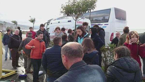 Trabzon'a gelen servis minibüsü takla attı, öğrenciler ölümden döndü