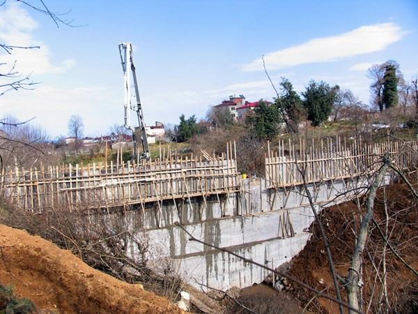 Beşikdüzü'nde yeni sel felaketine karşı önlemler alınıyor