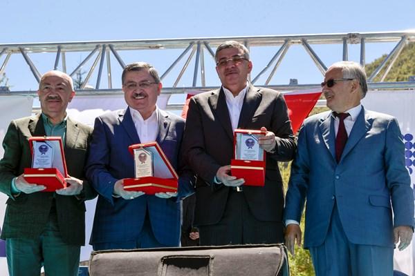 Kürtün Belediye'nin yeni hizmet binası açıldı 1