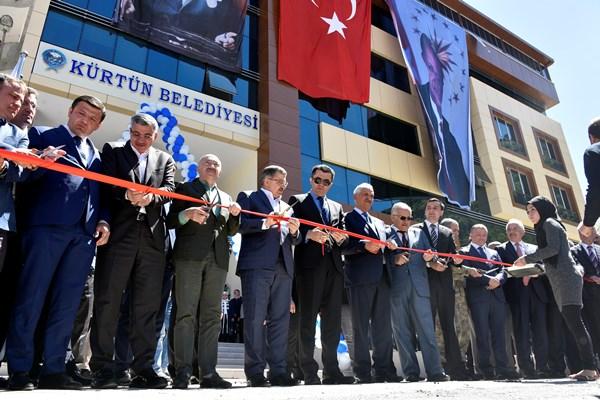 Kürtün Belediye'nin yeni hizmet binası açıldı 3
