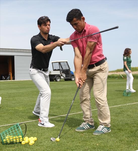 İşitme engelliler golfle tanıştı 9