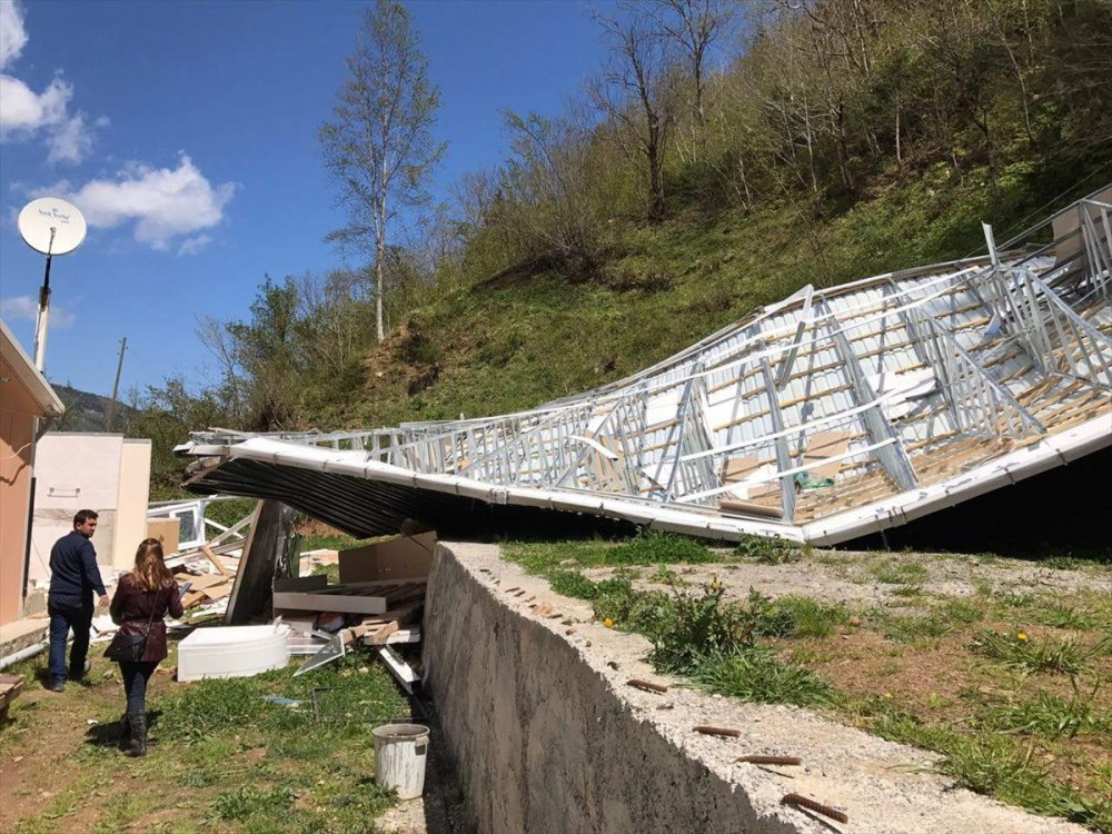 Trabzon'da hasar tespit yapıldı: 207 konut 4 serander...