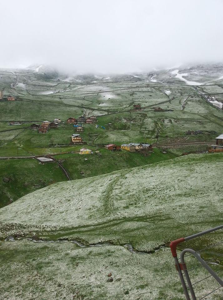 Rize'de kar yağdı