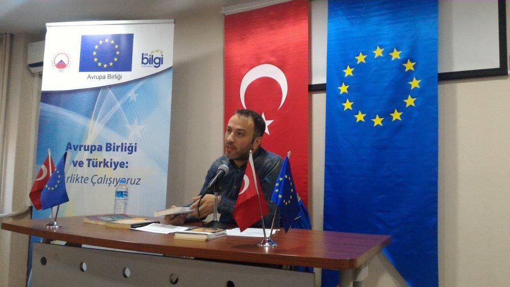 """""""Türkiye Edebiyatı'nda Avrupa"""" konuşuldu"""