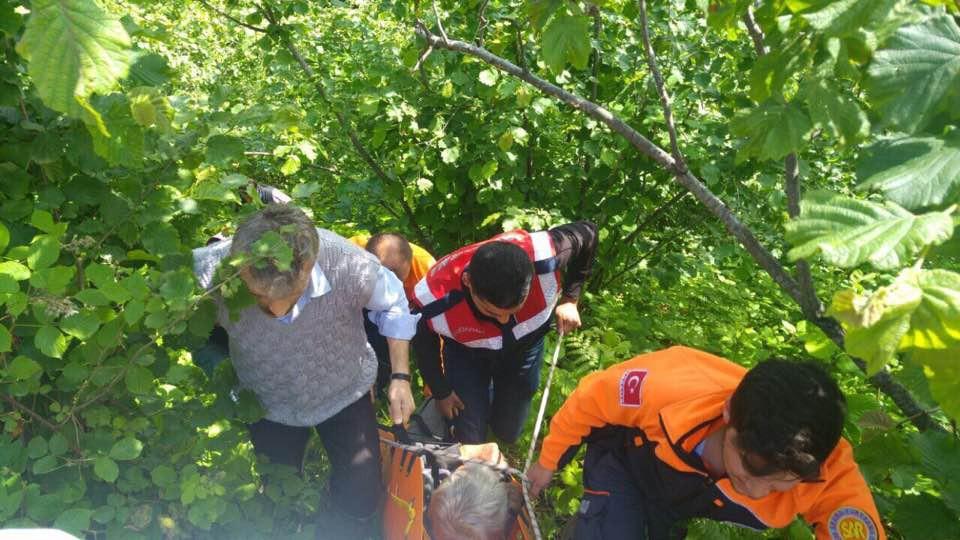 Trabzon'da yaşlı adam yamaçtan yuvarlandı