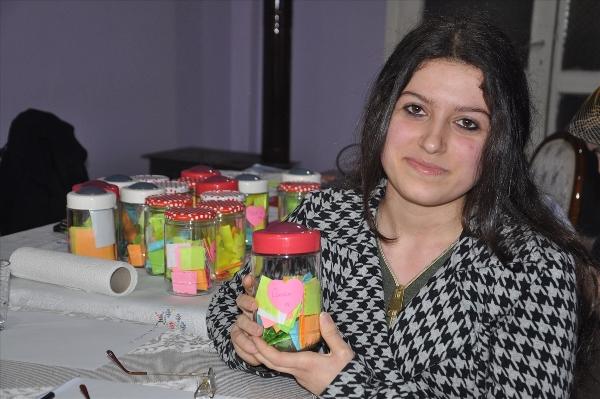 """Trabzon'da yaptıkları iyilikleri """"kavanozda"""" topluyorlar"""