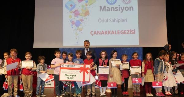 Trabzon'da 7 bin 598 öğrenci kitap okuyarak yarıştı