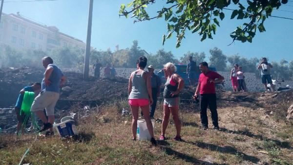 Alanya'da orman yangını sürüyor