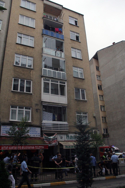 Genç adam 5. kattan kendini boşluğa bıraktı