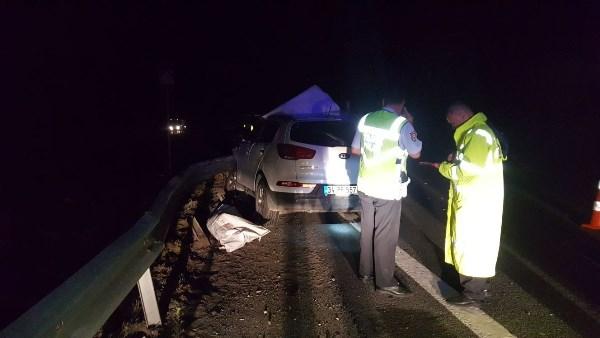 Kontrolden çıkan araç bariyerlere çarptı: 2 çocuk öldü