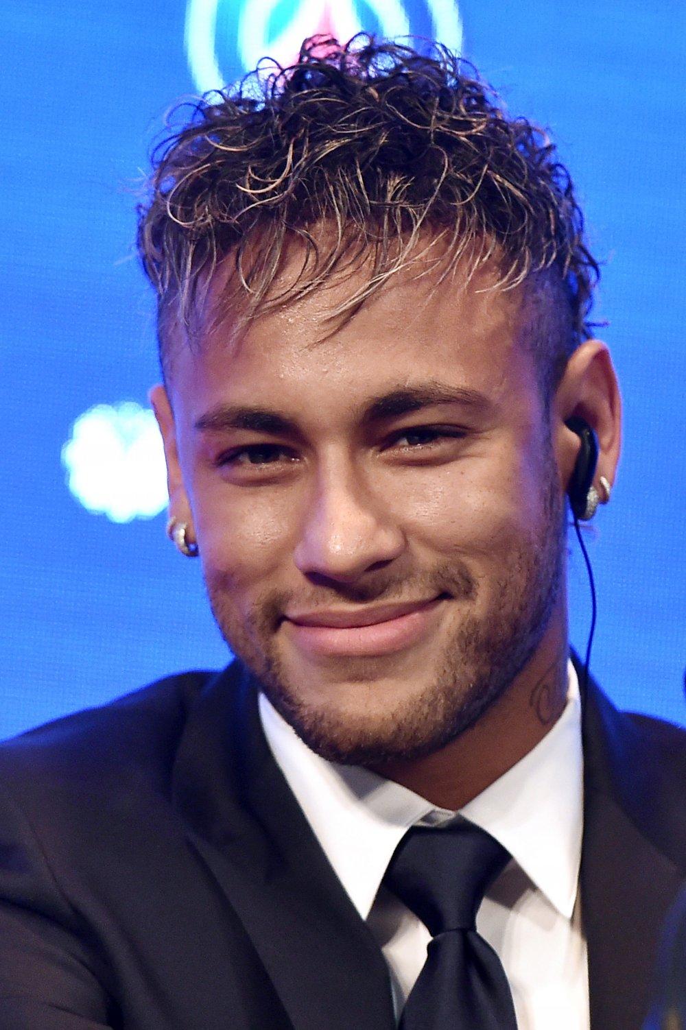 Neymar imzayı attı... Tarihin en pahalı imzası!