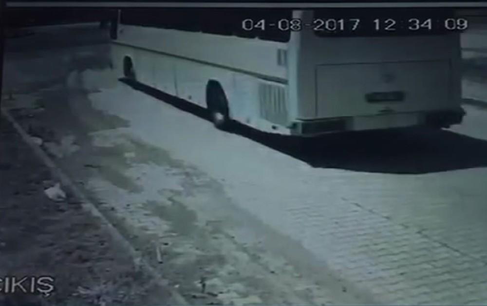 Trabzon'da gelen tırın karıştığı kaza kamerada