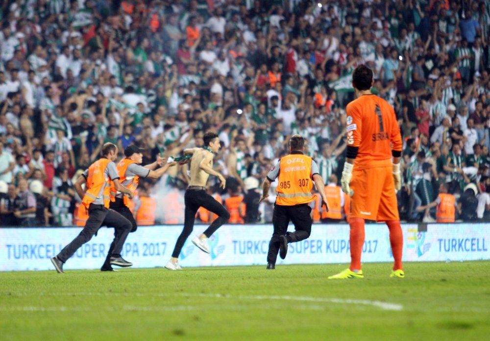 Konyaspor-Beşiktaş maçında olay çıktı