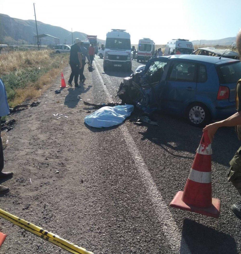 Feci kaza: 1 ölü, 10 yaralı