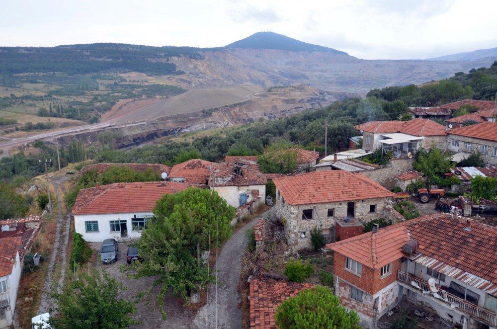 3 asırlık köy madene teslim oldu