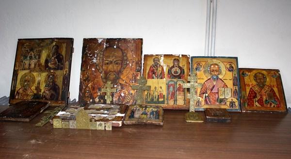 Trabzon'da tarihi kiliseyi soydular!